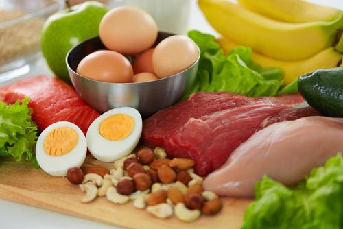 「低カロリー」で「高タンパク質」